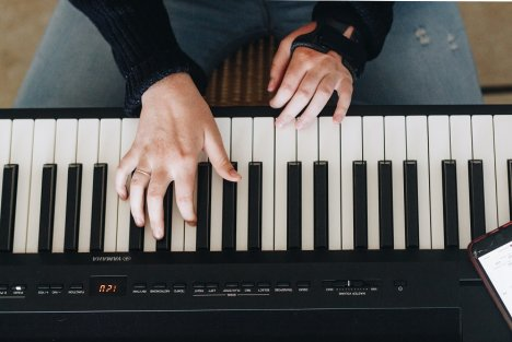 Le confinement a transformé la pratique de la musique : hausse des téléchargements d'outils numériques, pratique numérique collaborative...